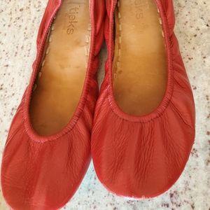 Cardinal red Tieks size 8